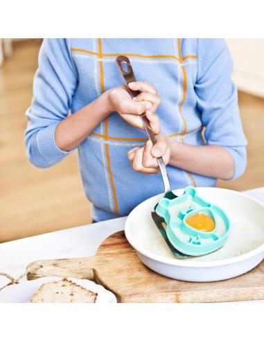 César forme œuf sur le plat