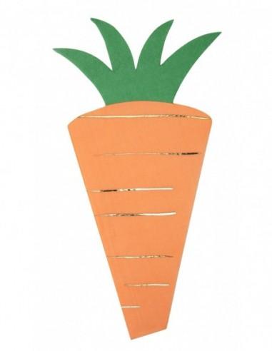 Serviettes découpées en forme de carottes avec dorure